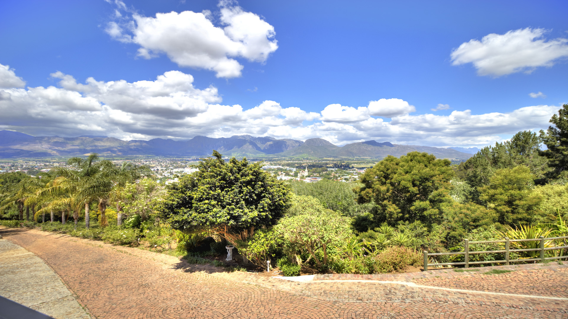 vacant land on the paarl mountainside