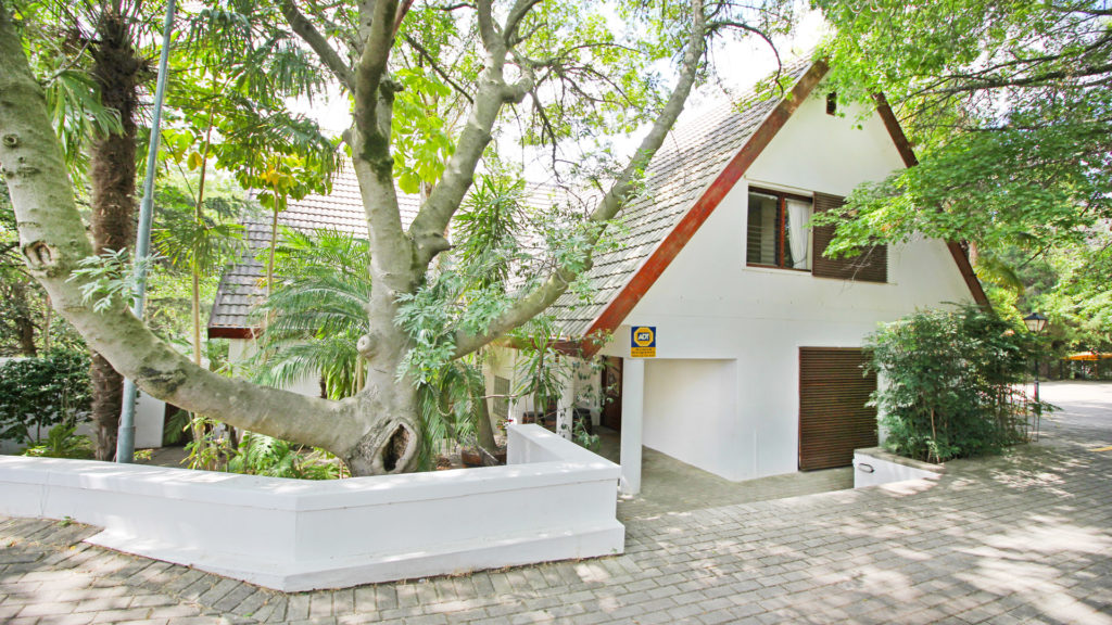 Paarl guest house for sale